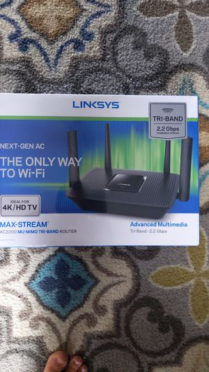 Linksys EA 8300 AC2200 max-stream tri-band wireless router for Sale in Oceanside, CA
