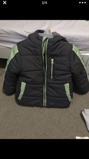 Toddler boy jacket size 2t-3t excellent condition doesn't fit my son anymore pick up only for Sale in Stockton, CA