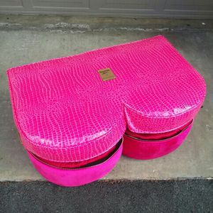 CARDI B PINK SHOE STORAGE for Sale in Coto de Caza, CA