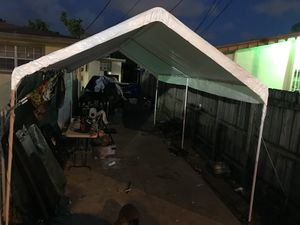 Large tent need gone tonight for Sale in Miami, FL