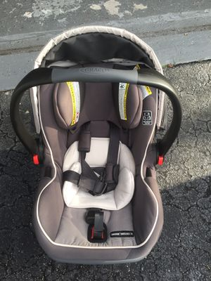 Graco SnugRide SnugLock 35 Infant Car Seat with adjustable base, Tenley, One Size for Sale in Fort Lauderdale, FL