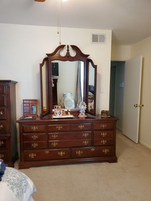 5 piece bedroom set for Sale in Woodbridge, VA
