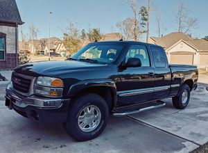 $8OO🔥 Very nice 🔥 2003 Gmc Sierra Truck Runs and drive very smooth clean title!!!! for Sale in Arlington, VA