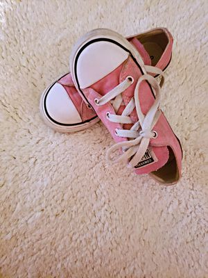 FAIRLY NEW KIDS/GIRLS CONVERSE PINK SIZE 10 for Sale in Nashville, TN