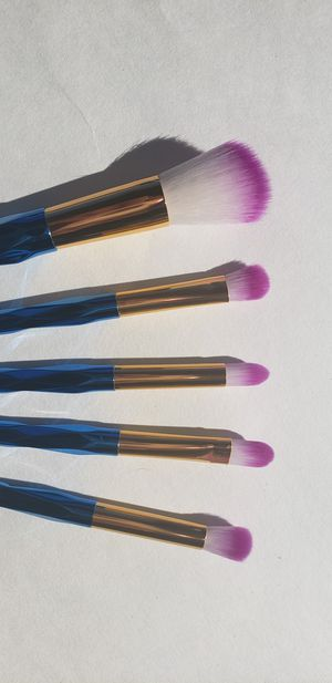 5 pcs makeup brush set for Sale in Los Angeles, CA