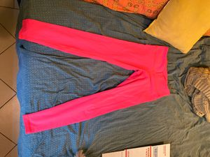 Hot pink lulu lemon leggings size 8 for Sale in Delray Beach, FL