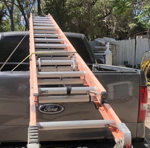 I sell 26 foot fiberglass ladder for Sale in Albuquerque, NM