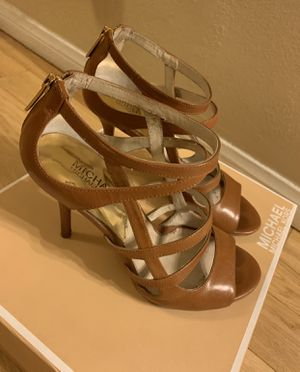 Michael Kors Leather Tan Heels Size 7 Used Once for Sale in Pico Rivera, CA