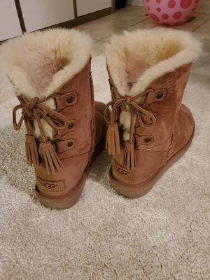 Ugg size 7 for Sale in Naperville, IL