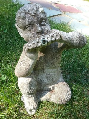 ANTIQUE CAST CEMENT PAN GARDEN FOUNTAIN for Sale in Paxton, MA