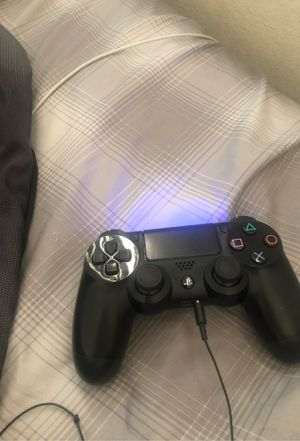 High condition ps4 controller for Sale in Los Angeles, CA