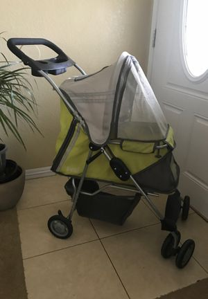 Dog stroller for Sale in Bakersfield, CA