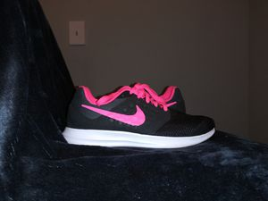 Nike shoes for little girl size 4y for Sale in Dallas, TX