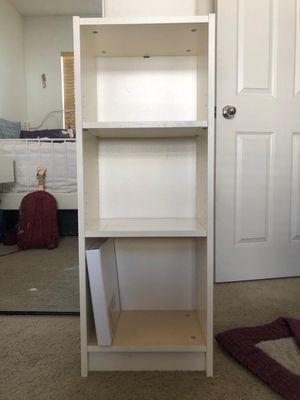 Small book shelf for Sale in Pico Rivera, CA