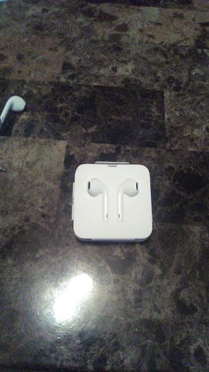 iPhone 6 earbuds for Sale in Philadelphia, MS