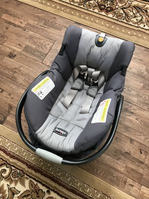 Chicco baby carrier for Sale in Bethesda, MD
