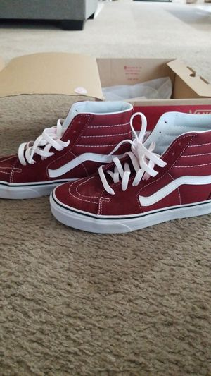 Burgundy Sk8 hi Vans shoes size men's 5.5/ women's 7 for Sale in Elk Grove, CA