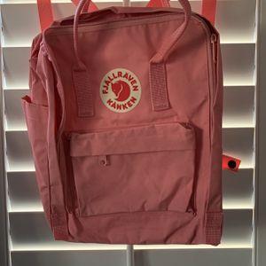 Backpack Fjallraven Kanken for Sale in Rosemead, CA