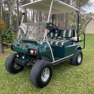 LIFTED CLUB CAR GOLF CART! NEW BATTERIES for Sale in Loxahatchee, FL