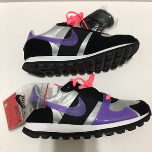 Womens Nike V-Love O.X shoes Available in sz 7 & 7.5 for Sale in Hialeah, FL