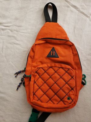 Crossbody backpack for Sale in Inglewood, CA