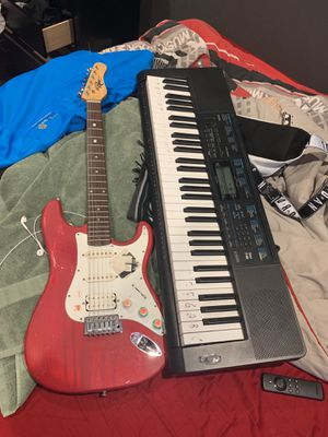 Guitar piano and amp for Sale in Newark, NJ