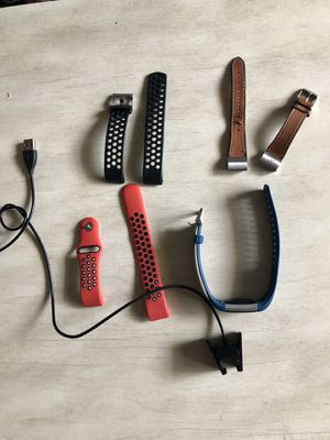 Fitbit Charge 2 tracker plus straps and charger for Sale in Fort Lauderdale, FL