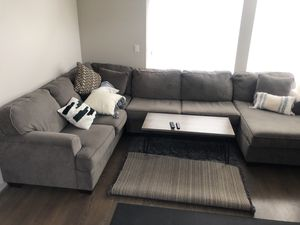 Great condition sectional couch with pillows! (No stains, no pets, no rips) for Sale in Seattle, WA