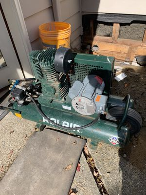 Roll Air Compressor Excellent Condition for Sale in Everett, WA