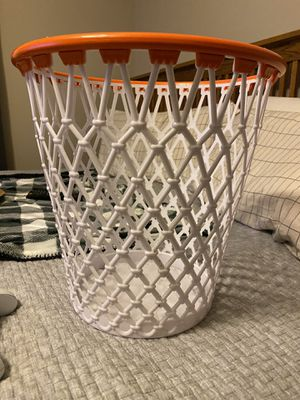 Basketball hoop trash can for Sale in Grove City, OH