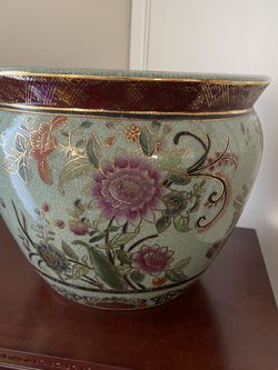 Hand Painted Pot Vintage for Sale in Fairfield,  CA
