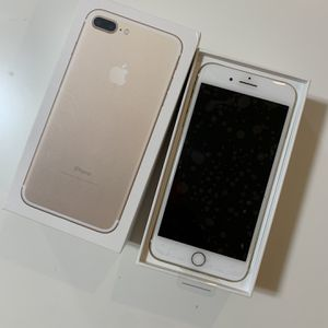 iPhone 7 Plus Unlocked Like New - Great Gift for Sale in Sammamish, WA