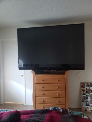 Free 70 inch tv for Sale in Glendale, AZ
