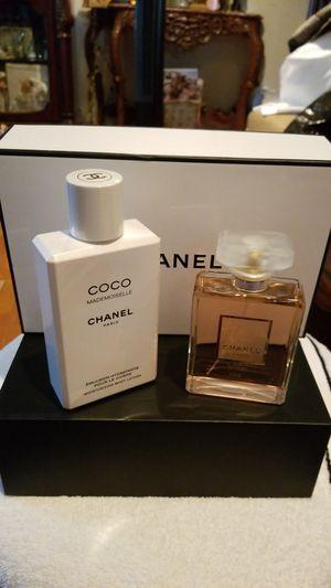 Chanel mademoiselle set 3,4oz el perfume y la crema 6,8oz nuevo original por 130$ for Sale in Long Beach, CA