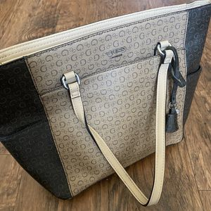 Hardly Used Large Guess Purse for Sale in Garden Grove, CA
