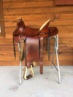 Western Roping Saddle for Sale in Bethel, PA
