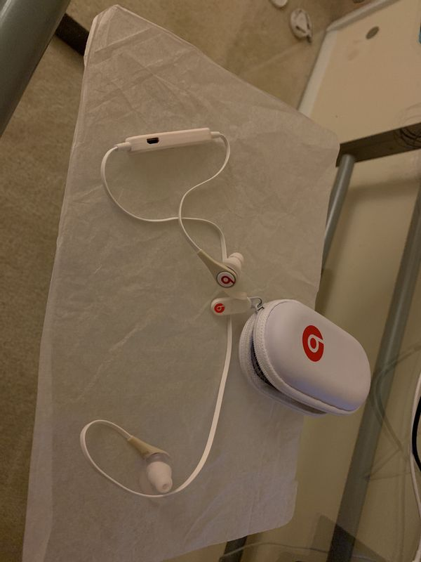 Beats headphones pre-owned