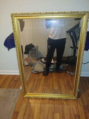 Large wall mirror for Sale in Clarksville, TN