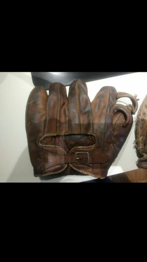 Vintage 1940s Buddy Lewis Baseball Glove for Sale in Cleveland, OH
