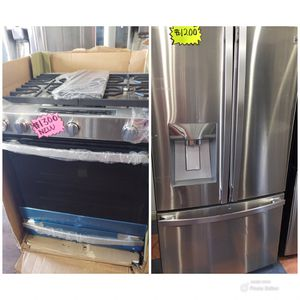 KENMORE ELITE 2019 FRENCH DOOR STAINLESS STEEL REFRIGERATOR AND GAS STOVE 5 BURNERS for Sale in Los Angeles, CA