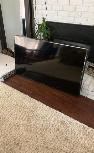 Broken Samsung TV (parts only) for Sale in Renton, WA