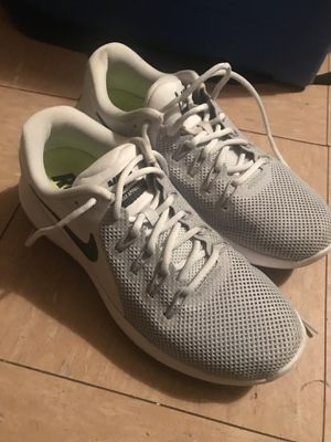 Nike woman's Lunar Apparent (US 10) for Sale in Philadelphia, PA