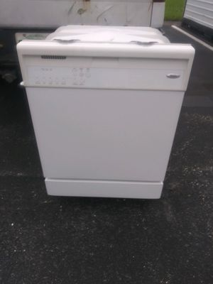 Whirlpool Dishwasher White Color for Sale in Hollywood, FL