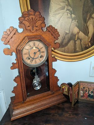 Antique clock for Sale in Raleigh, NC