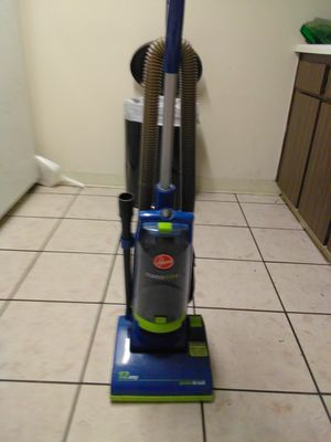 Hoover bag less vacuum for Sale in Tampa, FL