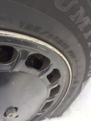 Sumitomo ice edge tires 195/65/r15 for Sale in St. Charles, IL