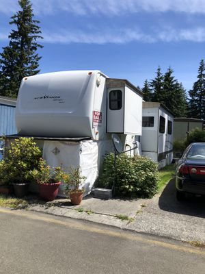Move in ready Home or toy hauler motivated seller for Sale in Lynnwood, WA