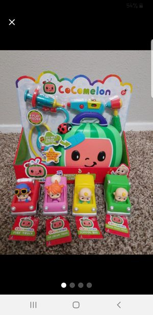 Cocomelon doctor set and 4 mini cars for Sale in Pearland, TX