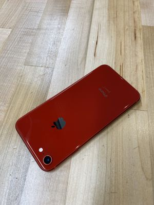 iPhone 8 Red for Sale in Queen Creek, AZ