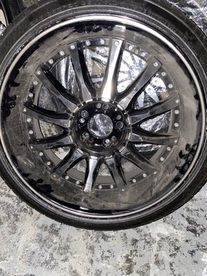 20 inch rims, a month old tires brand new Perrelli tire for Sale in Detroit, MI